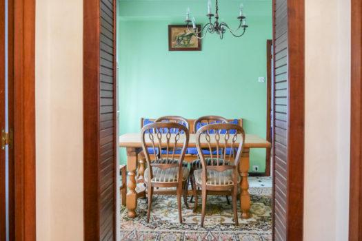 En Cedeira, casa con bajo se vende
