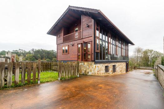 En Vigo, se vende casa de madera