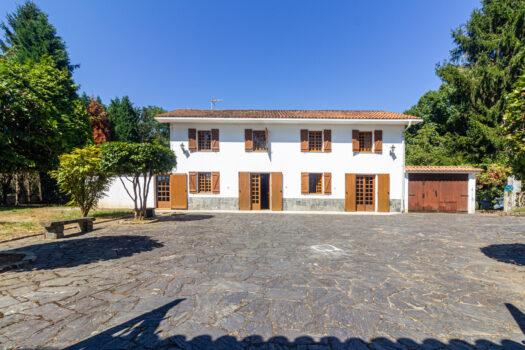 Casa Solariega en Crendes, se vende