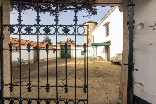 Construcción del s XVIII, se vende en Lorbé